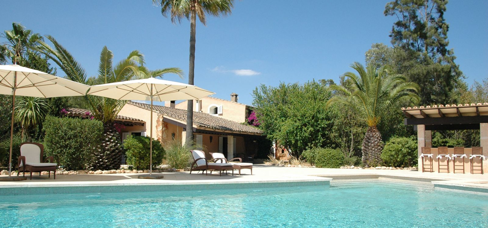 We offer exclusive dream villas and villas in Mallorca and Ibiza
